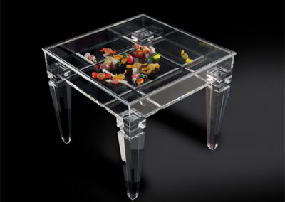 10-Ricordami-display-side-table-in-acrylic-mm-500x500h450